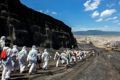 Uhlí patří pod zem!